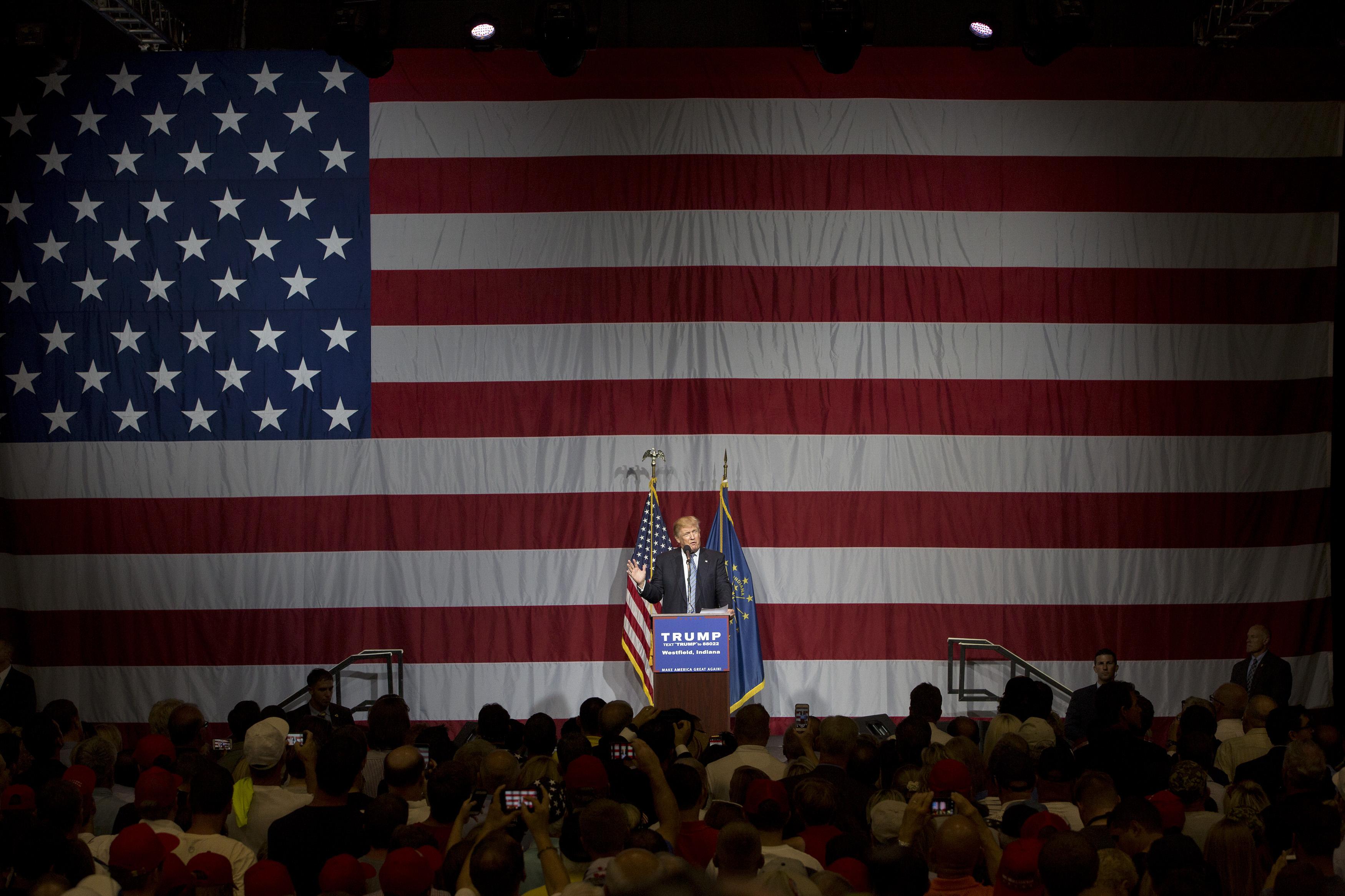 Trump Chooses Former NLRB Member Alexander Acosta for Labor