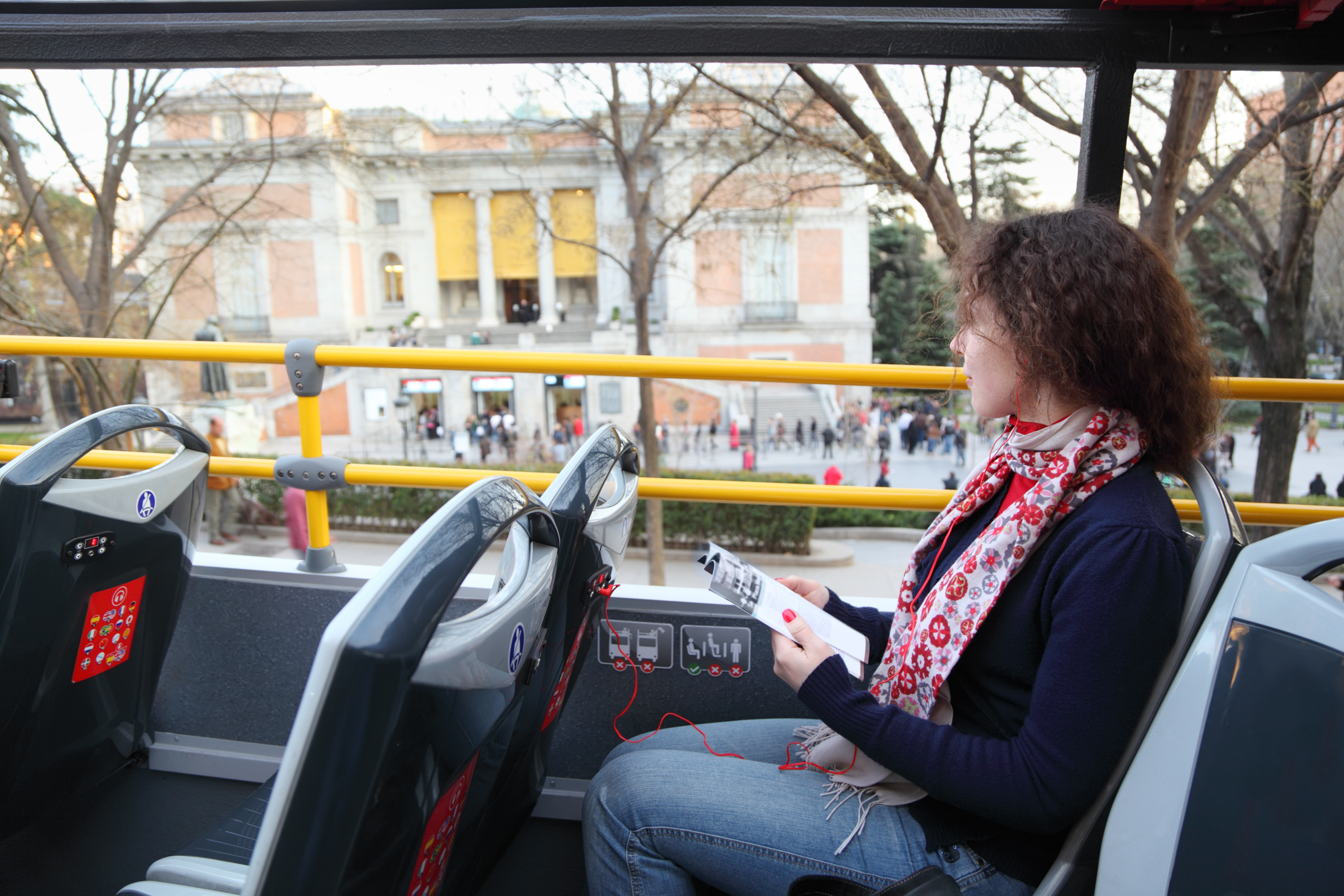 'Manspreading' is now a no-no on Madrid's public buses