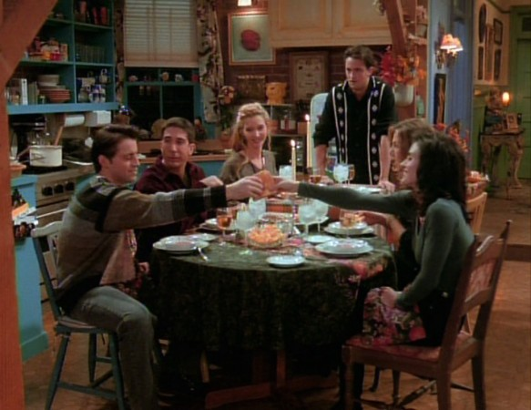 Here's every Thanksgiving meal from 'Friends,' the only Friendsgivings that really matter