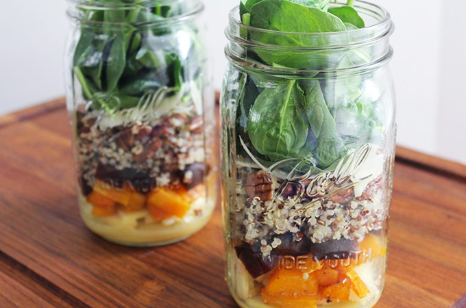 Mason Jar Salad Recipes That'll Make Your Co-Workers Wish They'd Read This