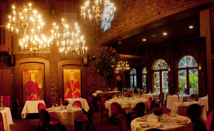 "What the ""Most Romantic Restaurant"" In New York City Reveals About Modern Love"