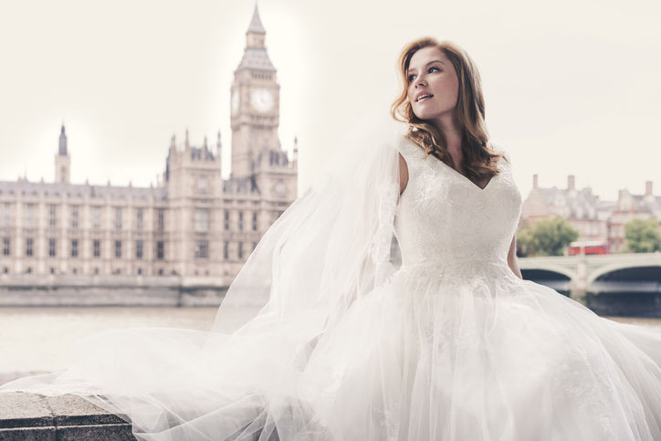 "David's Bridal Finally Casts a ""Plus-Size"" Model for Its Latest Campaign"
