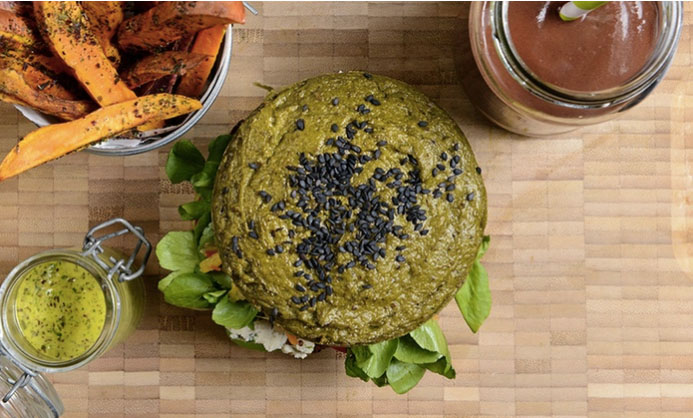 "The Alleged Healthiest Burger In the World Is Made From Over 50 ""Superfood"" Ingredients"